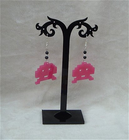 Obstar_Earring_spaceinvaderpink